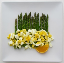 Asparagus with Egg and Orange