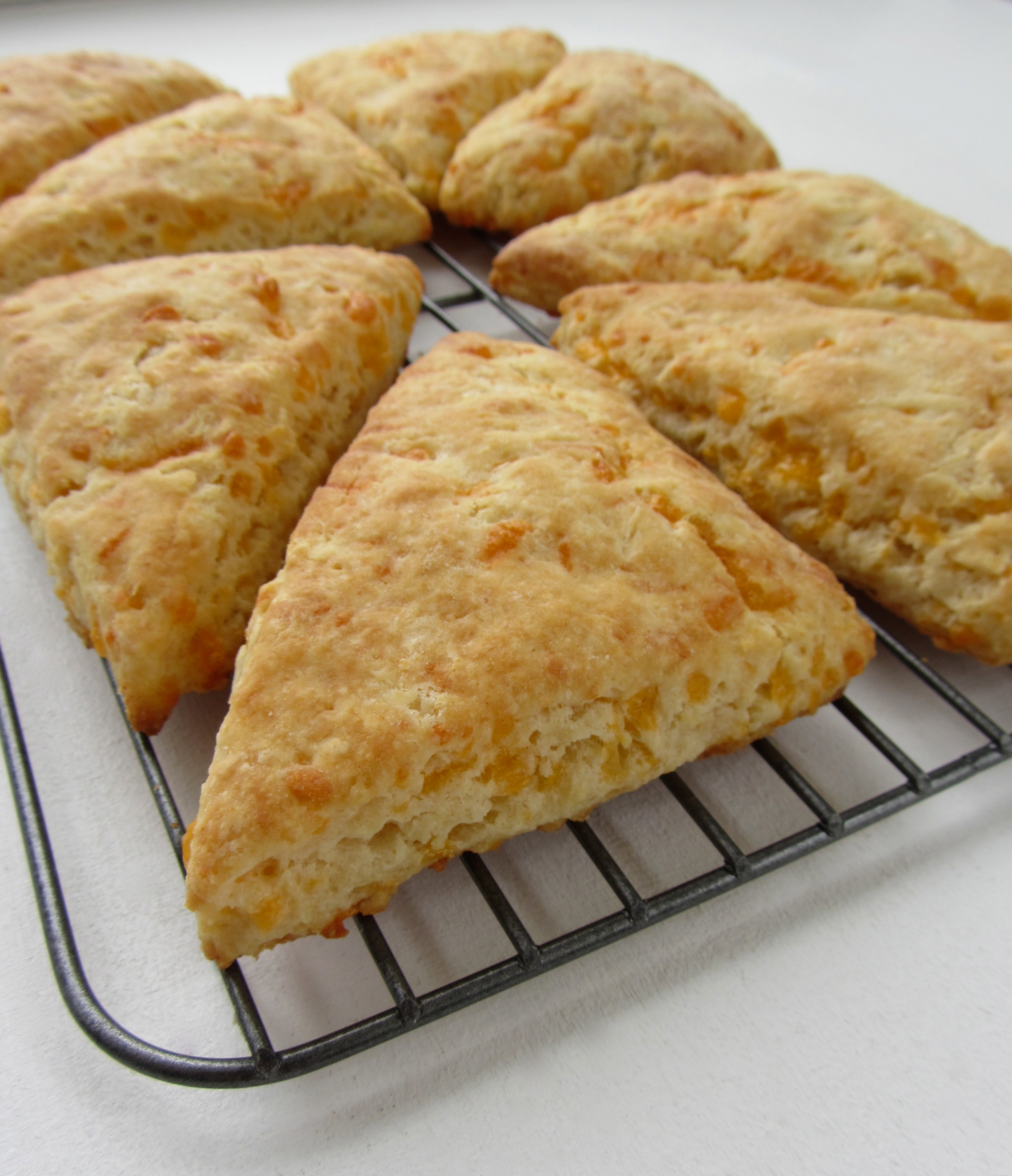 rosemary goat cheese scones gf ef bite size bacon and cheese scones ...